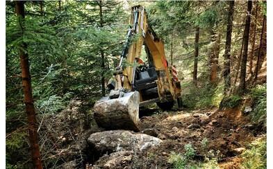 V najprísnejšie chránenej oblasti Tatier si spokojne pracoval bager, Tichá dolina je pritom európsky významné územie