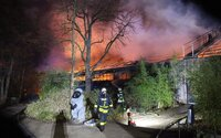 V německé zoo uhořelo 30 zvířat. Požár způsobily nelegální lampiony štěstí