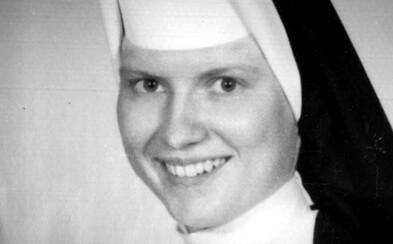 V netflixovskom dokumente sa bude pátrať po vrahovi obľúbenej mníšky. Bola odstránená, lebo vedela o zneužívaní na miestnej katolíckej škole?