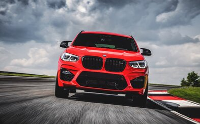 V New Yorku jsme sedli za volant brutálních SUV od BMW. Jaký je nejsilnější šestiválec v historii značky?