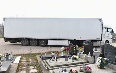 V Nitre už stojí tretí príves pre telá mŕtvych