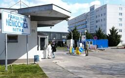 V nitrianskej nemocnici aktuálne zomrie denne takmer 5-krát viac ľudí ako pred pandémiou