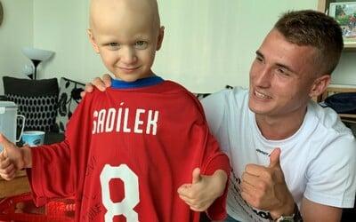 V Nizozemsku extra opatření proti viru nejsou, říká fotbalista Michal Sadílek. Když jdu s rouškou, lidé se usmívají (Rozhovor)