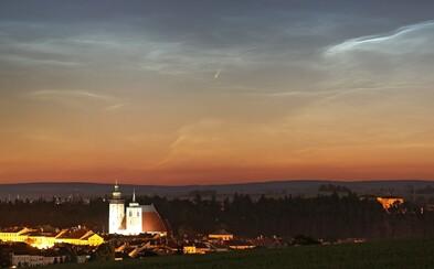 V noci budú môcť Slováci na oblohe sledovať najžiarivejšiu kométu za posledných 13 rokov