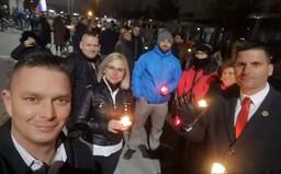 V noci v Martine protestovali proti vládnym opatreniam: Matovič vojnu začal, my ju ukončíme, tvrdia krajne pravicoví organizátori