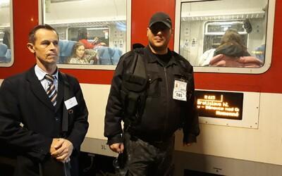 V nočných vlakoch na Slovensku testujú prítomnosť SBS. Za 7 dní musela ochranka zakročiť 13-krát
