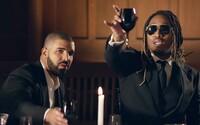 V novom videu si Future a Drake nahodení v luxusných oblekoch zašli na drahú večeru