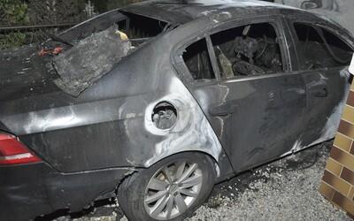 V obci Zlaté objavili zhorené telo a auto