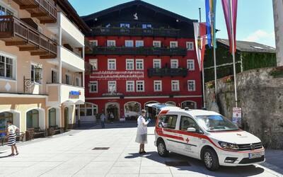 V oblíbené rakouské turistické obci se nakazilo 62 zaměstnanců hotelů