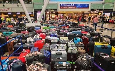 V odletovej hale zostalo naraz cez 2 000 kufrov. Obrovský kolaps spôsobil výpadok softvéru odbavovania batožiny