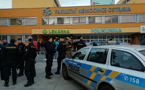 V ostravskej nemocnici sa strieľalo, zasahuje polícia