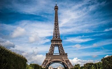 V Paříži evakuovali Eiffelovu věž. Vyhrožovali, že v ní umístili bombu