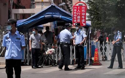 V Pekingu se opět šíří koronavirus. Nové ohnisko nákazy je tržnice, kde prodávají maso a zeleninu