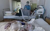 V piatok prídu na Slovensko zdravotníci z Belgicka a Dánska. Pomáhať budú v nemocnici v Banskej Bystrici