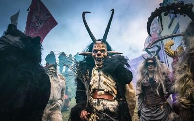V Piešťanoch aj tento rok pochodovali čerti. Na krampusov sa prišli pozrieť tisíce Slovákov