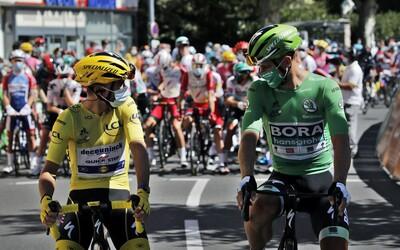 V polepeném Superbu jsme zažili etapu Tour de France. Co všechno můžeš vidět z doprovodného vozidla a dostaneš se až k pelotonu?