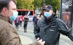 V Považskej Bystrici prišli traja ľudia na test pod vplyvom alkoholu, musela ich riešiť polícia