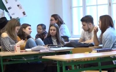 V Praze funguje alternativní třída. Žáci si mohou sami určit, kdy budou mít přestávku a učí se být silnými osobnostmi