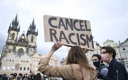 V Prahe ľudia protestovali za Georgea Floyda. Česi odsúdili rasizmus a policajnú brutalitu