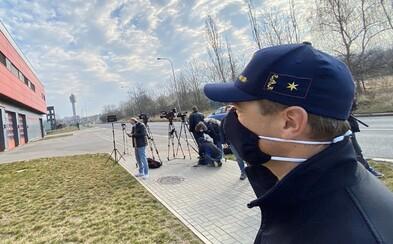 V Praze se koronavirem nakazilo už 13 hasičů