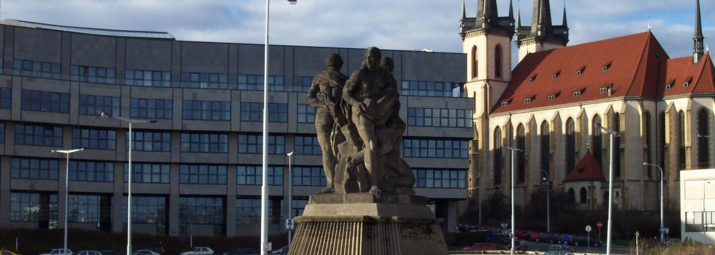 V pražských Holešovicích vznikne Re-Use centrum. Na nový blešák může kdokoli přinést starý nábytek, knihy, vinyly či deskové hry