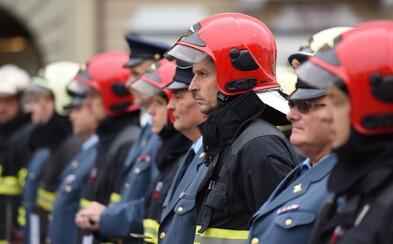 V Prešove bojovali hasiči s ohňom. V bytoch bolo vraj 17 ľudí