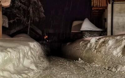 V Rakousku napadla spousta sněhu. Kvůli kalamitě hlásí nejvyšší stupeň výstrahy, domácnosti jsou bez elektřiny