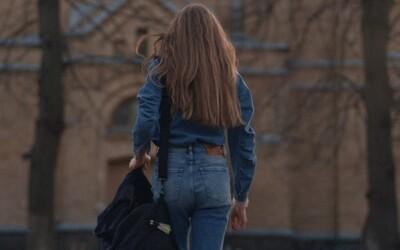 V reklamě od Dieselu vystupuje transgender jeptiška. Spot zachycuje příběh přeměny mladé ženy