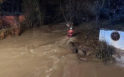 V rieke Muráň našli už aj poslednú nezvestnú ženu. Telo bolo uväznené v potopenom aute