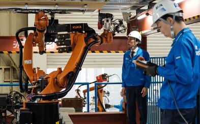 V roku 2025 stroje po prvýkrát odvedú viac práce ako ľudia