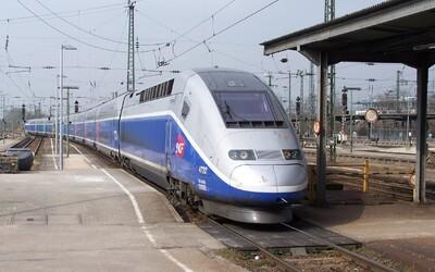 """V roce 2035 má začít jezdit """"české TGV"""". Cesta z Prahy do Brna potrvá jen hodinu a za lístek zaplatíme 300 korun"""
