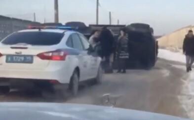 V Rusku sa prevrátilo 544-koňové G 63 AMG 6x6. Bola za volantom monštra žena?