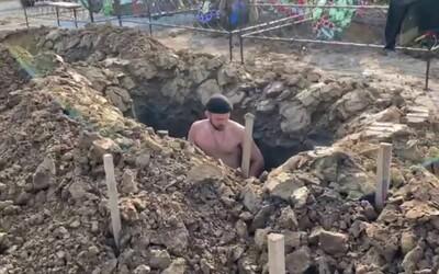 V Rusku se konal první ročník soutěže v rychlosti kopání hrobů, vítěz to zvládl za 52 minut