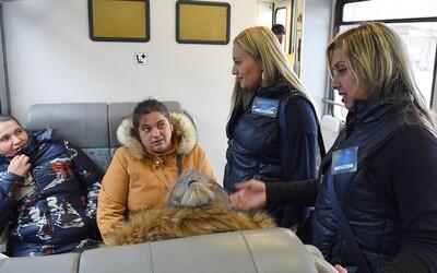 V slovenských vlakoch pribudnú rómski asistenti. Budú pomáhať cestujúcim a zabraňovať konfliktom
