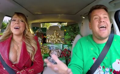 V špeciálnom vianočnom Carpool Karaoke nemohla chýbať Mariah Carey, ale prekvapivo sa objavili aj hviezdy ako Selena Gomez či Adele