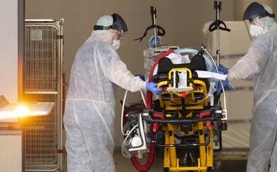 Ve Spojených státech hlásí nejvyšší počet nakažených koronavirem na světě. USA předběhly Čínu i Itálii