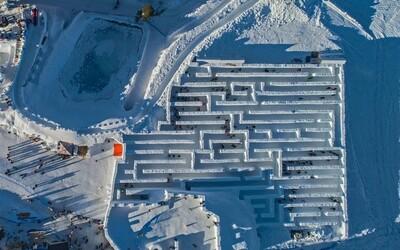 V Tatrách otvorili najväčšie snežné bludisko na svete. Nájdeš ho len pár minút od slovenských hraníc