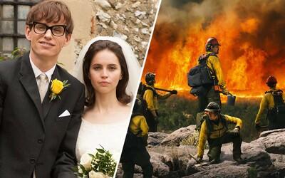 V telke pobeží výnimočný skutočný príbeh Stephena Hawkinga aj pocta odvážnym hasičom v Hrdinoch ohňa