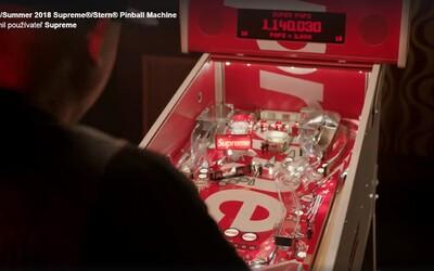 V tohtoročnej kolekcii od Supreme môžeš očakávať hrací automat Pinball