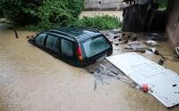 V tomto okrese platí najvyšší stupeň výstrahy pred búrkami, varuje SHMÚ. Niektoré časti Slovenska zase trápia teploty