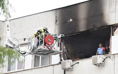 V Trnave horí stredná škola. Na mieste zasahujú desiatky hasičov