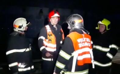 V tunelu u Plzně hořel vlak. Cestující byli evakuováni pěšky