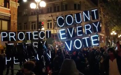 V USA propukly protesty: Každý hlas se počítá, zní v ulicích