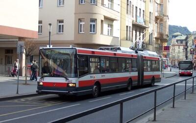 V Ústí nad Labem se bojí koronaviru. Počet cestujících v MHD tam klesl o 40 procent