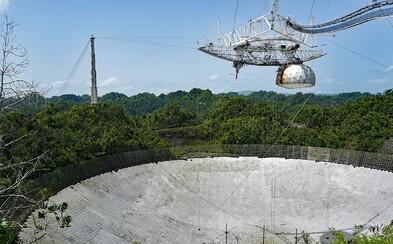 V úterý se zřítil ikonický teleskop: Při pádu poškodil i vzdělávací centrum observatoře