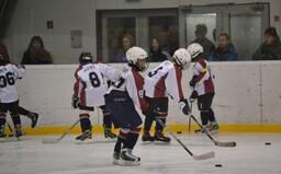 Väčšina nových prípadov koronavírusu z Oravy sú deti z hokejového zrazu. Nakaziť ich mohli českí tréneri