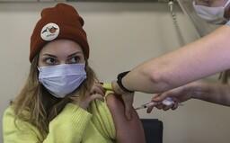 Vakcína od Pfizeru nielenže bráni nákaze, ale tiež znižuje šírenie koronavírusu. Naznačujú to prvé výsledky očkovania