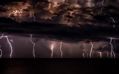 Varování ČHMÚ: Česko zasáhnou silné bouřky, výstraha platí pro tyto kraje