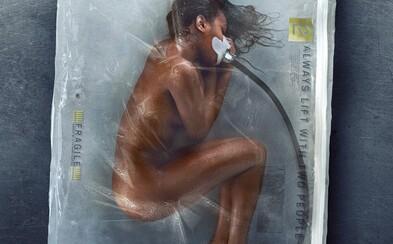 Vaša myseľ, cudzie telo. Futuristický Altered Carbon už o mesiac predstaví krutý a nemilosrdný náhľad do búducnosti