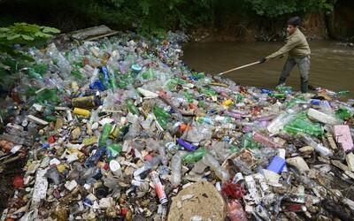 Vatové tyčinky či slamky si už nekúpiš, na Slovensku bude platiť zákaz jednorazových plastov